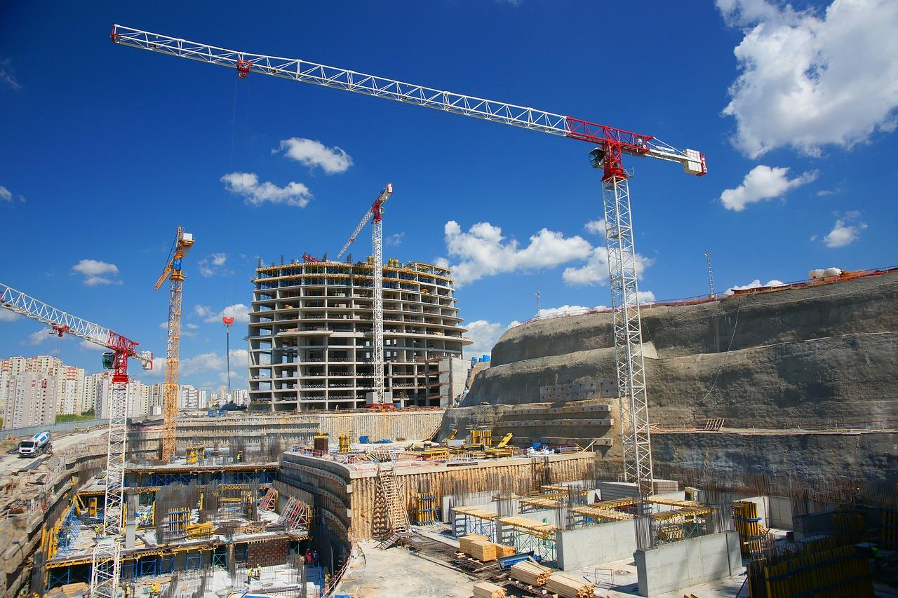 Cranes-building